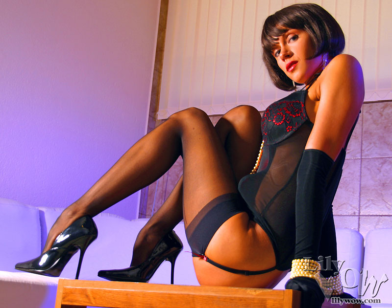 Lily Wow Amazing Slim Nylon Legs - Stocking Blog